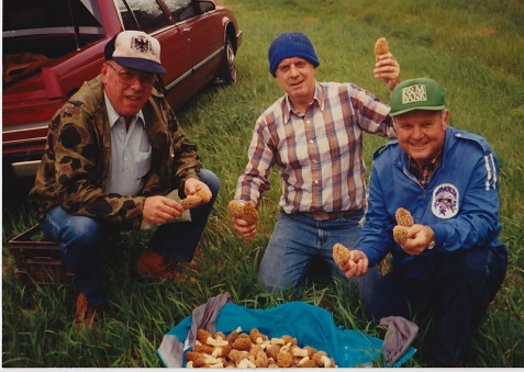 mushroom hunters, morel mushrooms, Winamac, Indiana